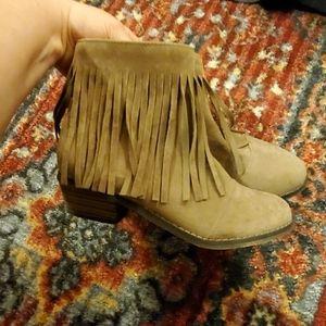 Brand new, Breckelles tan shoes/heals